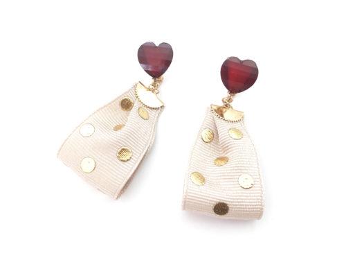 デザインワニカンとリボンを使った簡単なのに可愛いイヤリングの作り方