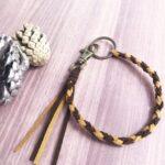 アレンジ方法もいろいろ♡ロープ編みの革紐ストラップの編み方・作り方