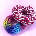 縫わない!子供一人で簡単にできる毛糸の指編みシュシュの作り方